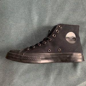 Black Converse (NEW)